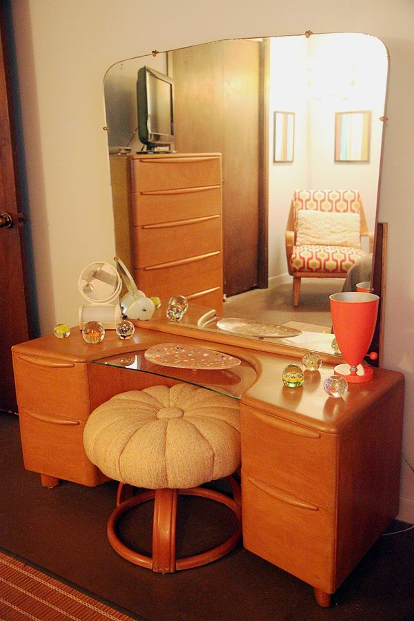 This Heywood-Wakefield vanity is now a part of my collection, however the stool that I have is a little different than what is pictured.