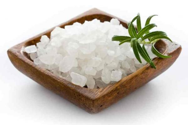 Cómo eliminar la humedad de una habitación con sal
