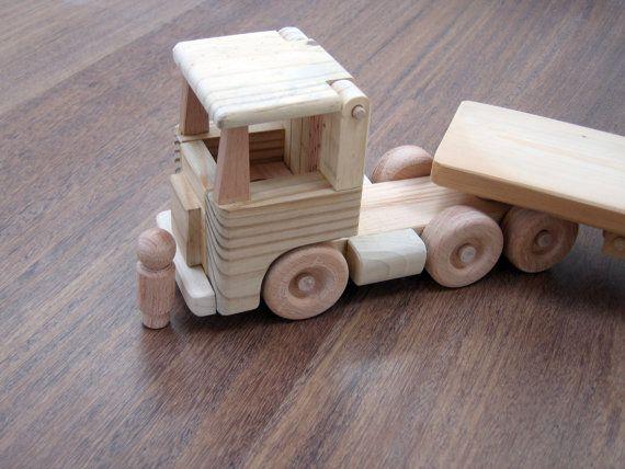 Flavia, il camion di legno letto piano - un camion giocattolo in legno di waldorf, naso piatto truck e un uomo di peg di TrickTruck