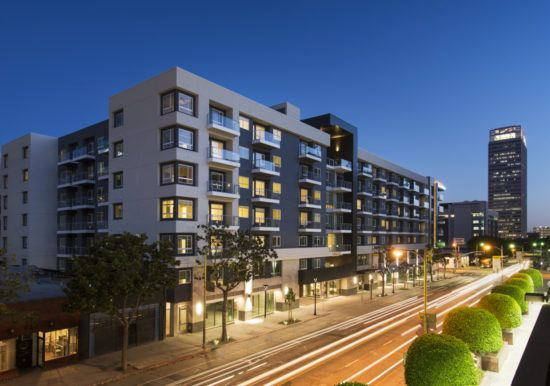 LA's First Solar-Powered Net-Zero Apartments - July 2016