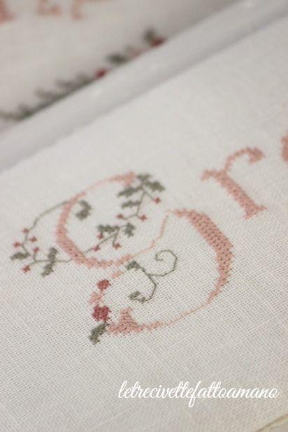 ricamo,life- style, cucito creativo,bomboniere,crochet,chic, shabby chic,country,knit,point de croix,schemi,corone,DIY giardino,cucina,figli, free