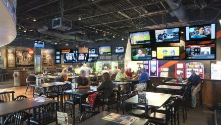 6 Sports Bar Interior Design Legends Sports Pub In Green Local Places Spaces Pinterest