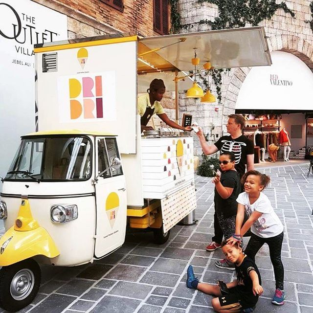 It's Saturday!And Dri is one phone call away to bring you fun and gelato happiness!! We absolutely love this pic by @ajjb3 ! ❤️ www.dridrigelato.com/home-delivery  #DriDriGelato #IceCream #FoodTruck #Saturday #Happy #Children #Brotherhood #Happylife