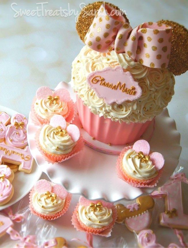 #minniemousebirthday Pink and Gold Minnie Mouse Birthday Cake Cupcakes #birthdayparty