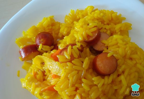 Receta de Arroz amarillo con salchichas #RecetasGratis #RecetasFáciles #RecetasdeCocina #Arroz #ArrozAmarillo