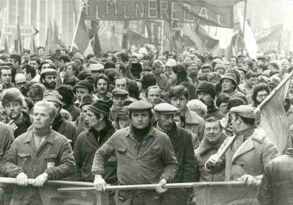 Red NoteBook - Νεοκομμουνισμός και παλαιοσοσιαλδημοκρατία