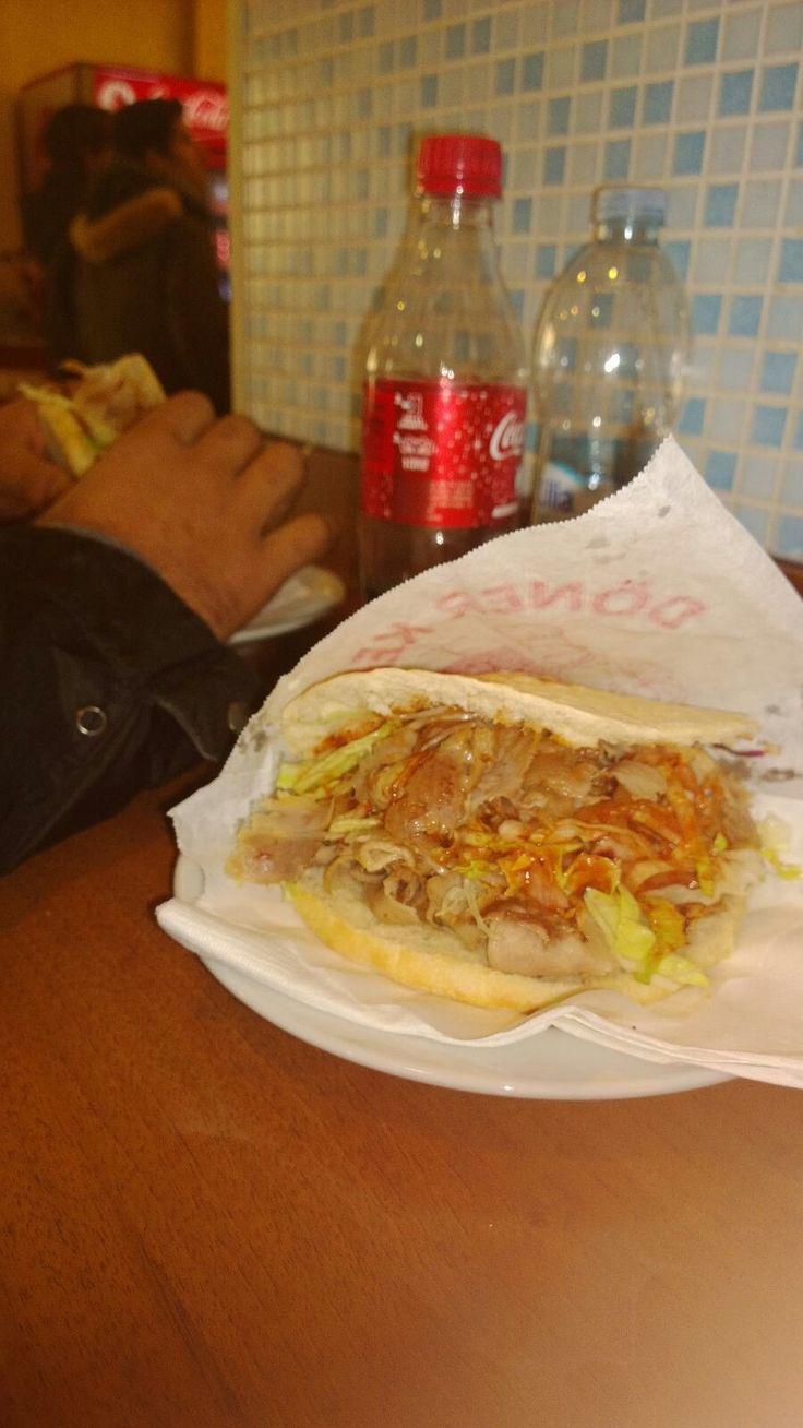 donor kebab enjoying