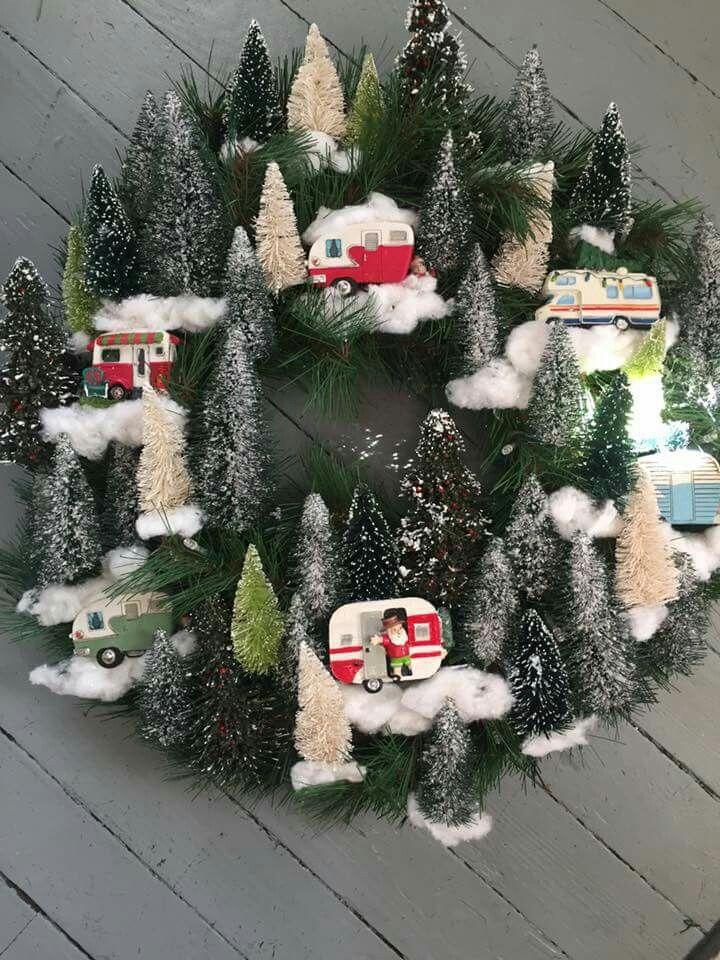 happy campy Christmas wreath