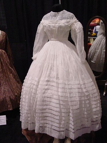 The counterpart to the make-ruching-until-you-die dress, this is the make-pintucks-and-grow-pleats-until-you-die dress. Awesome sheer, though!