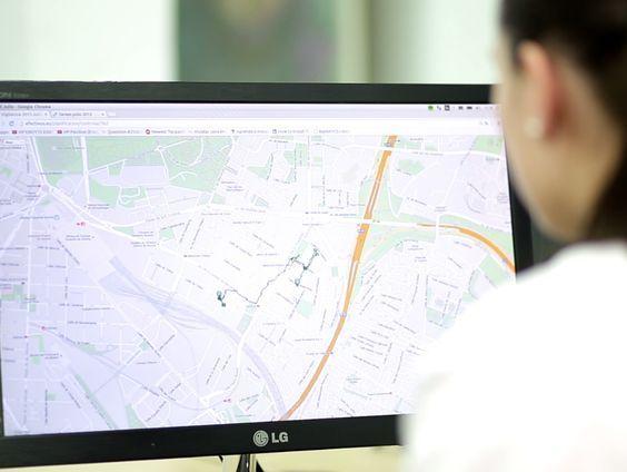 Para ayudarles en su tarea, y que tu empresa de #vigilancia ofrezca una mayor #seguridad y mejor respuesta a tus clientes, la tecnología para coordinar empleados Efectivus puede ser tu mejor aliada. http://www.efectivus.com/mejorar-la-productividad/geo-chat/