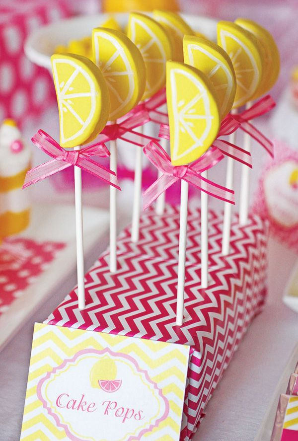 Dulce de la fiesta de cumpleaños de la limonada rosada Summertime