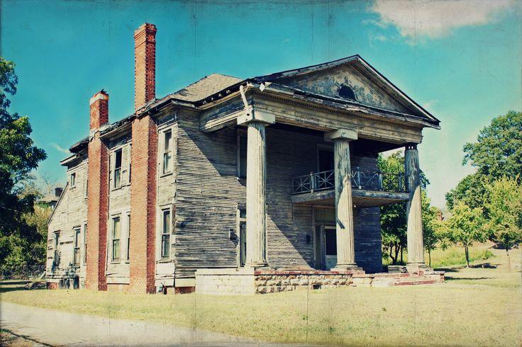 abandoned plantation home in rural Alabama ABANDONMENT