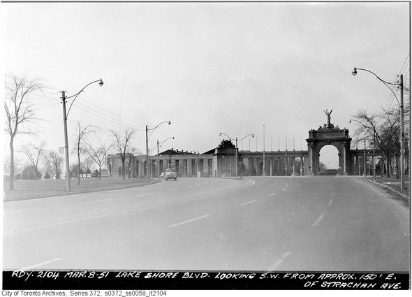 What Lake Shore Boulevard used to look like