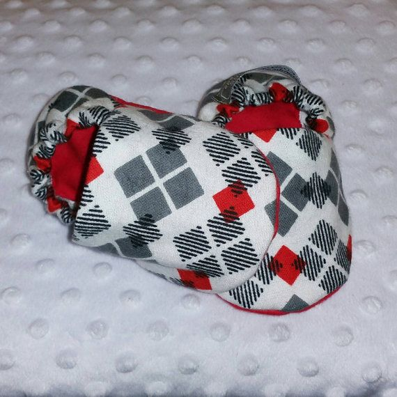 Check out this item in my Etsy shop https://www.etsy.com/ca/listing/273068190/baby-booties-baby-gifts-baby-slippers