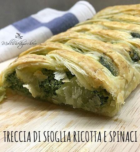 La treccia di sfoglia ricotta e spinaci è una torta rustica meravigliosa, estremamente saporita sia tiepida che fredda, è perfetta da servire per un buffet