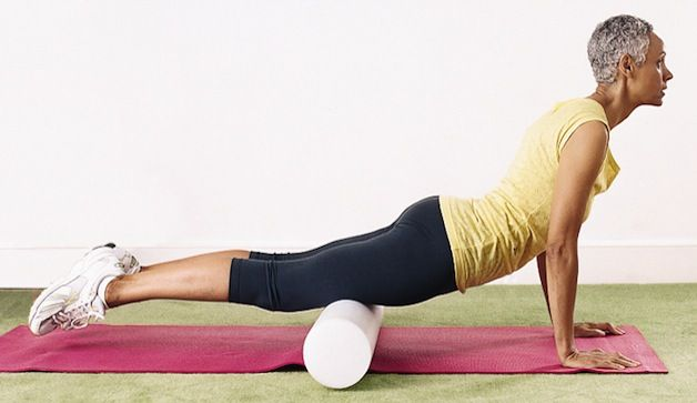4 Foam Roller Exercises To Relieve Pain In 10 Minutes