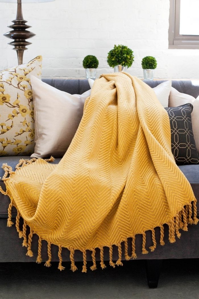 1001 Secrets Pour Reussir La Deco Jaune Moutarde Cute Dorm Rooms Yellow Throw Blanket Couch Throws