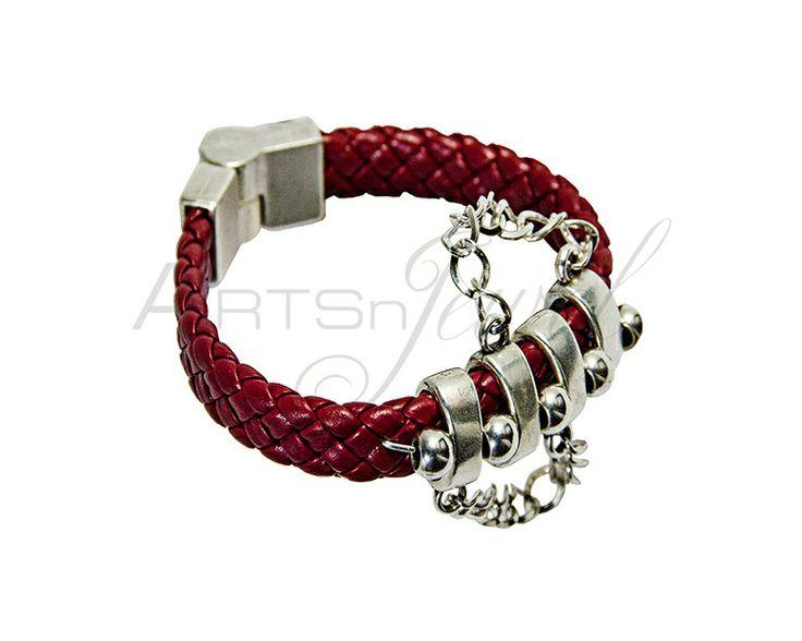 Magnetic bracelet with metallic theme  from Arts n' Jewel by DaWanda.com. €23