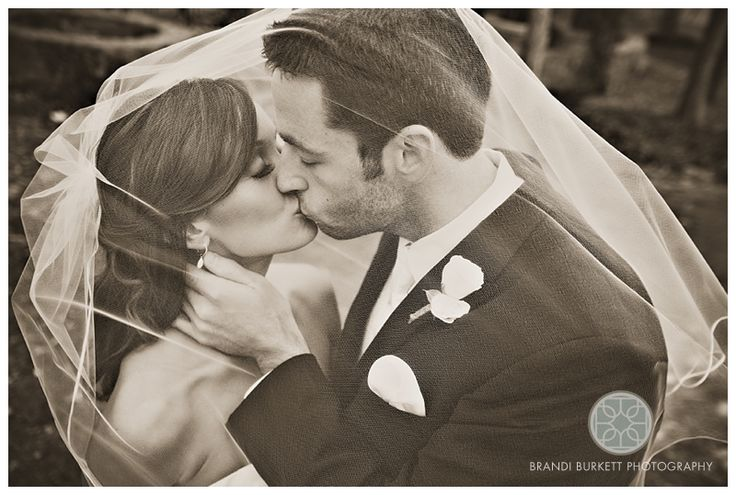 The Best Wedding Picture. I don't know if I'm having a veil yet so might not get this shot