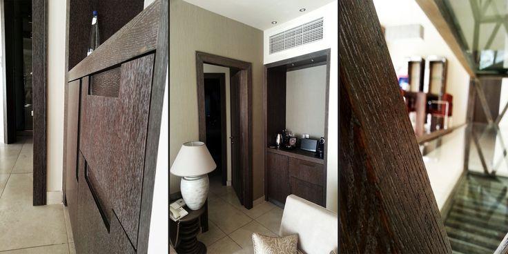 Sani Asterias Suites : Ξύλινες κατασκευές, κομοδίνα, καθρέπτες, κρεβάτια, ντουλάπες, minibar, γραφεία και wc για τις σουίτες του Sani Asterias Suites στην Κασσάνδρα. - See more at: http://masterwood.gr/portfolio/sani-asterias-suites/#sthash.O8heaNsw.dpuf