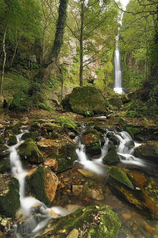 Cascadas de Oneta. Otro de nuestros monumentos naturales. Éste en Villayón. Espectacular!!