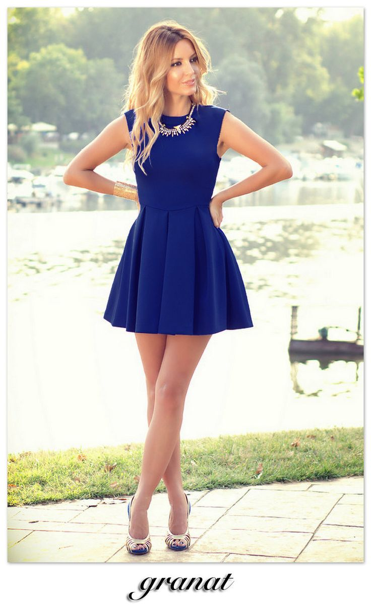 It is a pattern which is so popular and fashionable whether in looking or design. This short dress is suitable to wear in daily life. You will be full of praise and admiration when you dressing it. Th