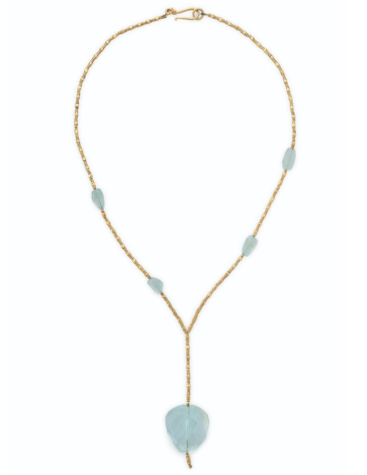 AN AQUAMARINE AND GOLD NECKLACE