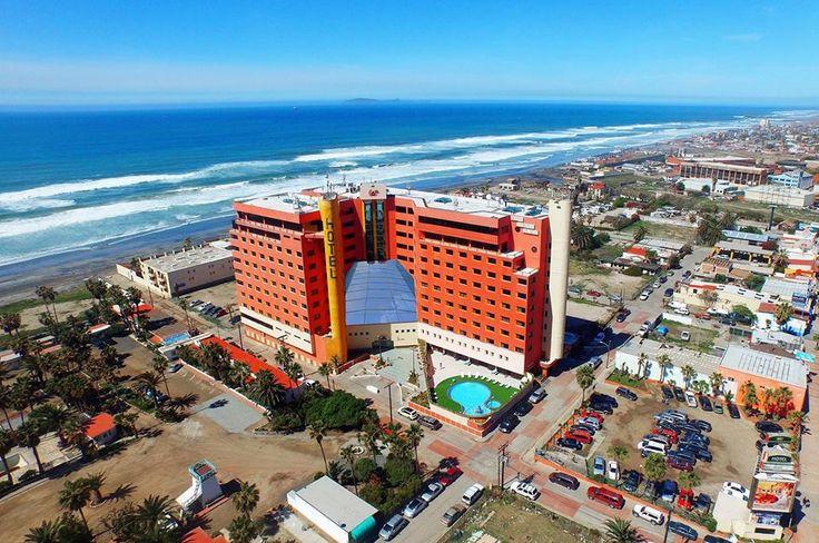 Hotel Corona Plaza se encuentra en el corazón de la ciudad, cerca de la playa, bares, restaurantes y atractivos turísticos ¡Ven y conócelo! #RosaritoMeInspira Descubre más visitando: www.rosarito.org