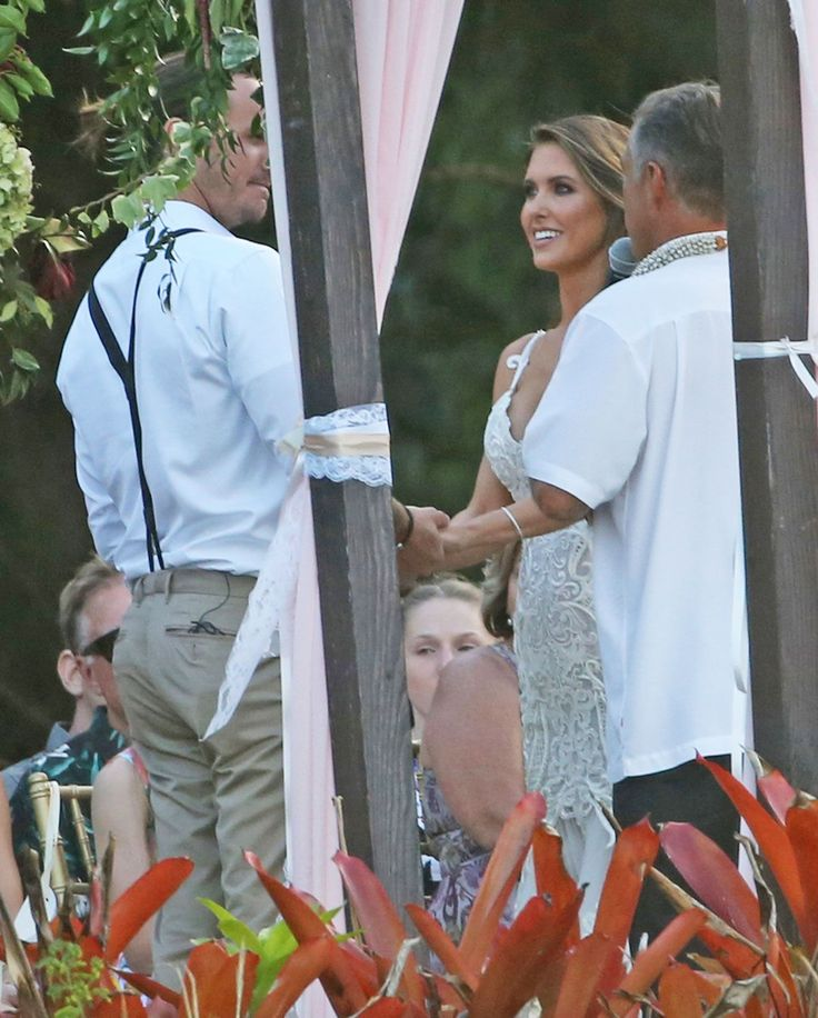 The Hills stars are all getting hitched! Audrina Patridge is the latest alumna from the MTV reality show to tie the knot after years of living out her romantic adventures on The Hills (Lauren Conrad, Kristin Cavallari and Whitney Port preceded her — to say nothing of Heidi and Spencer).  But this weekend