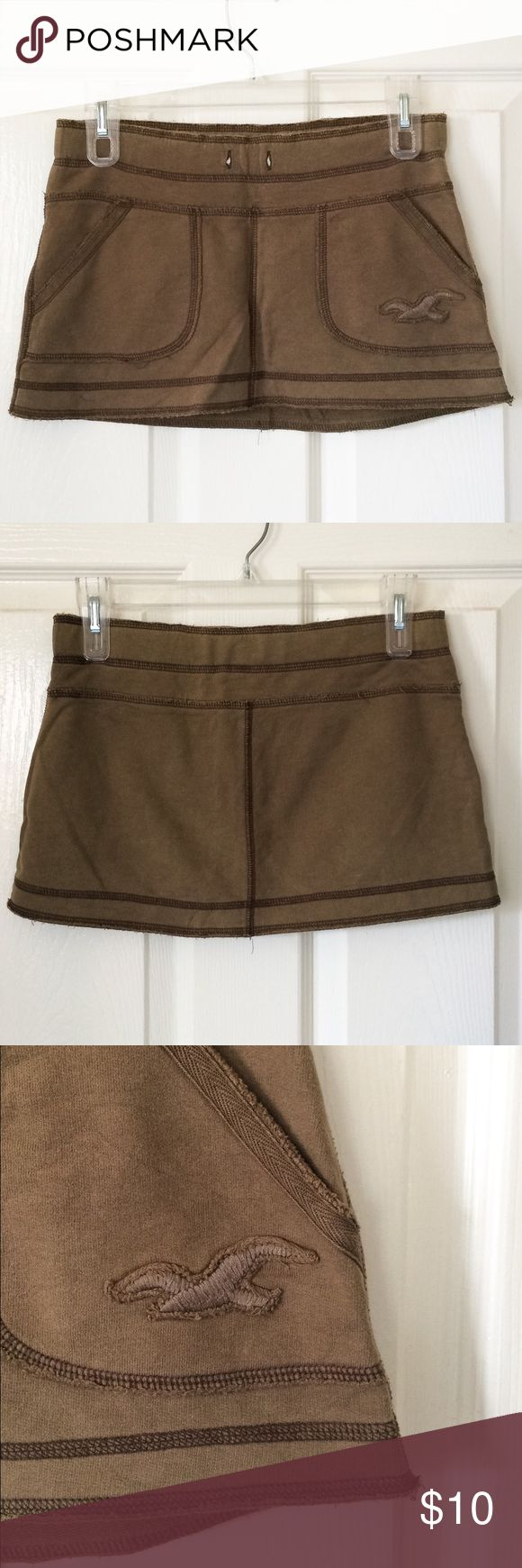 Hollister skirt Gently used but in great condition! Missing drawstring. Size XS, but will fit a S. 100% cotton. No trades! Hollister Skirts