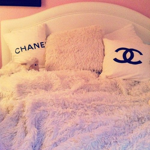 Chanel bedding---- OKAY! I NEED THOSE PILLOWS!!!!! (the blanket would be nice, too :) IT EVEN GOES WITH MY ROOM THEME! Xxx