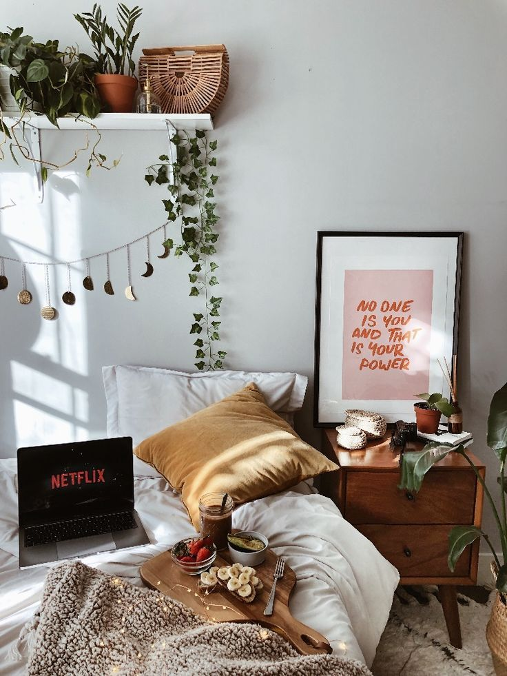 Breakfast & Netflix in bed #fruhstuck #netflix
