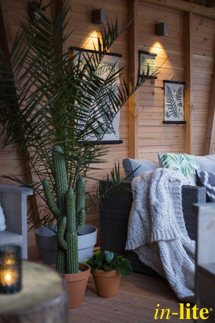 Tuininspiratie | Eigen Huis & Tuin | Wandlamp ACE DOWN | Buitenverlichting | Overkapping | Outdoor lighting | 12V