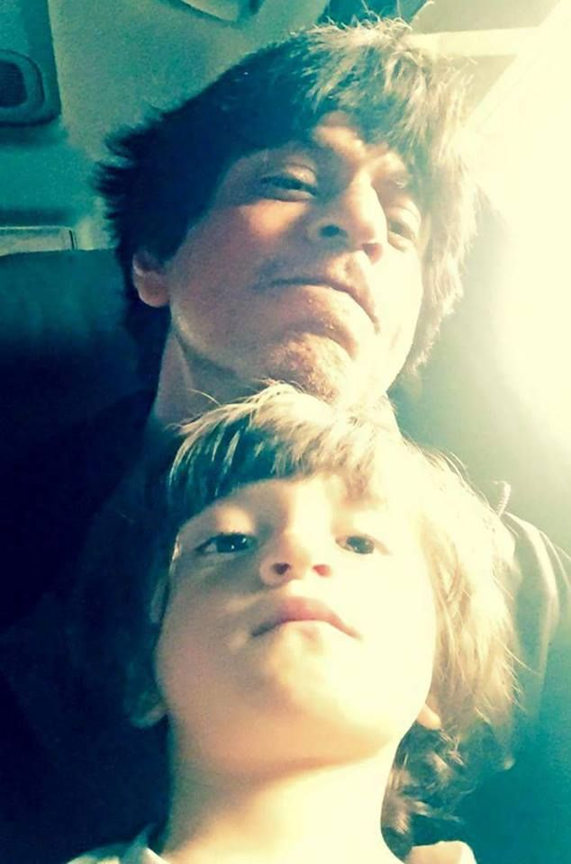 Shah Rukh thanks AbRam's fans on his behalf