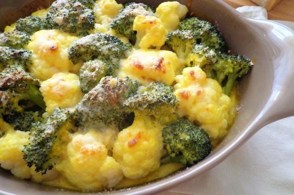 Gratin di cavolfiori e broccoli alla besciamella con curcuma