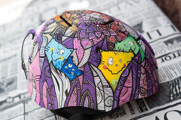 hand painted ski helmet  #skihelmet  #uniposca #posca #ski  #poscaart #handpainted #handmade #paintedhelmet