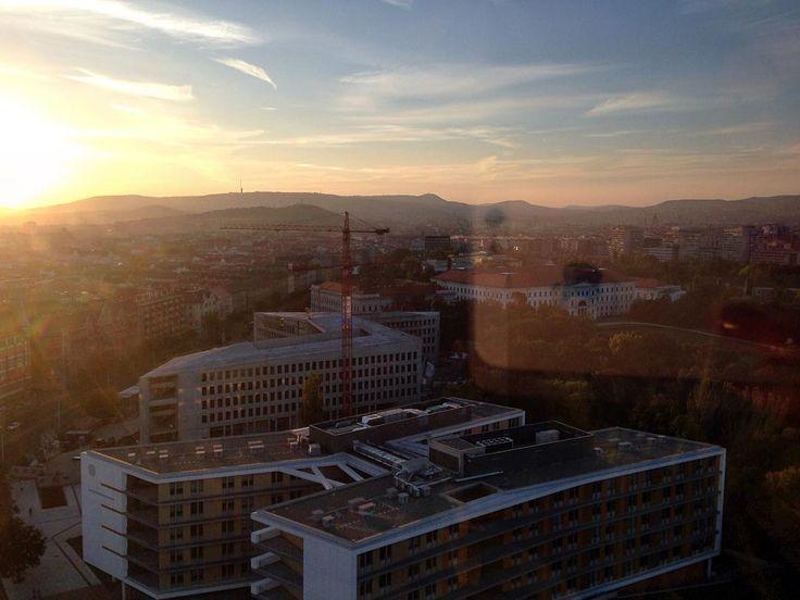 Sundown #cityview #budapest #net #semmelweisuniversity #overthecity