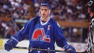 Joe Sakic deixou os Nordiques após a mudança da franquia para Colorado, em 1995.