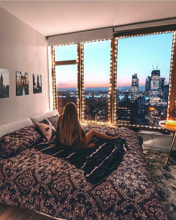 College dorm room ideas / inspiration for college girls rooms / pink grey cute lights arrow chic / lights boho #Collegegirlapartment