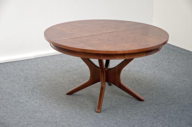 Egyedi, kinyitható asztal a Ferattól