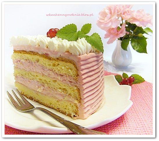 lekki tort z kremem porzeczkowym