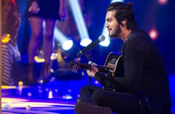 Eu queria poder te dizer sem palavras, eu queria poder te cantar sem canções