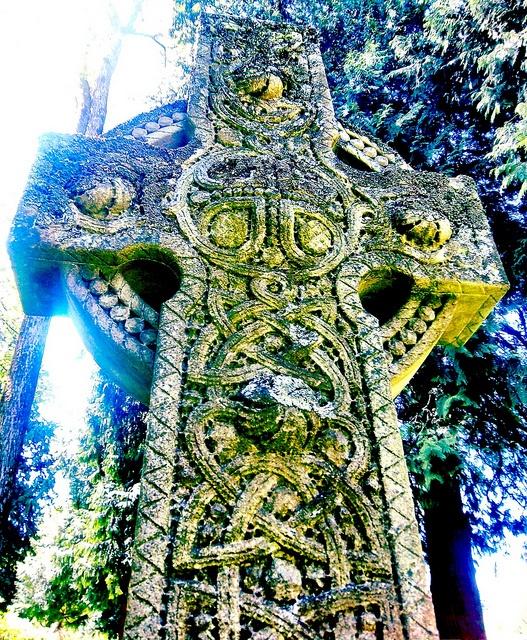 Celtic memorial marker