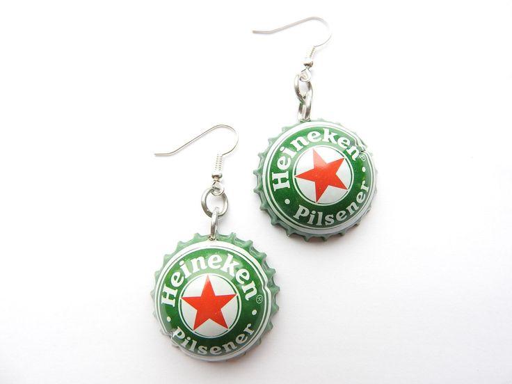 Heineken beer bottle cap earrings - recycle - bier - biere - cerveza door HandmadeByCharlie0 op Etsy