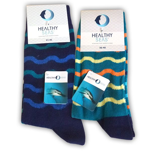 'Join our journey from waste to wear' How? Wear these socks and you're helping Healthy Seas to recover abandoned fishing nets that pollute our seas and coasts. Together with other waste we recycle the nets into high quality ECONYL® yarn. This forms the basis for brand new sustainable textiles, such as these socks. Feels good, doesn't it?