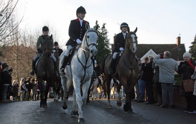 Calls for Boxing Day hunt to be preserved as hundreds join Essex and Suffolk Hunt in Hadleigh - Ipswich Star