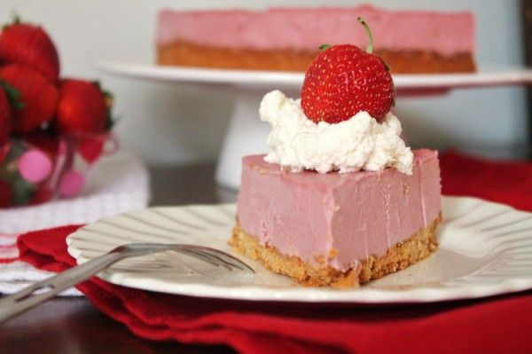 The Best Strawberry Cheesecake Made From Raw Food Only!