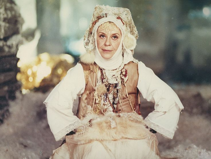 "Giulietta Masina in ""Perinbaba"" (1985)"