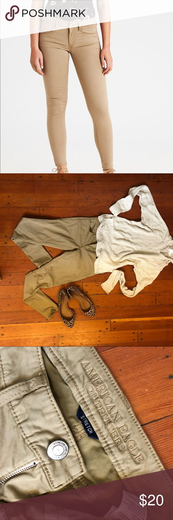 American Eagle Stretch Jeggings Size 0 In excellent used condition! Stretch twill beige/khaki Jeggings! Pants Skinny