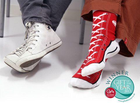 Billiga julklappar - Sneaker Socks, Roliga strumpor som ser ut som skor!